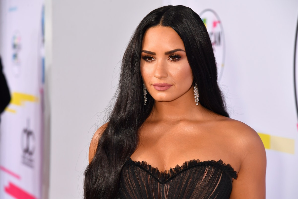 LOS ANGELES, CA - NOVEMBER 19:  Demi Lovato attends the 2017 American Music Awards at Microsoft Theater on November 19, 2017 in Los Angeles, California.  (Photo by Jeff Kravitz/AMA2017/FilmMagic for dcp)