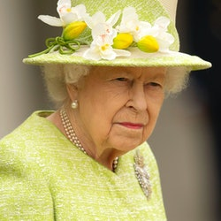 EGHAM, ENGLAND - MARCH 31: Queen Elizabeth II during a visit to The Royal Australian Air Force Memorial on March 31, 2021 near Egham, England. (Photo by Steve Reigate - WPA Pool/Getty Images)
