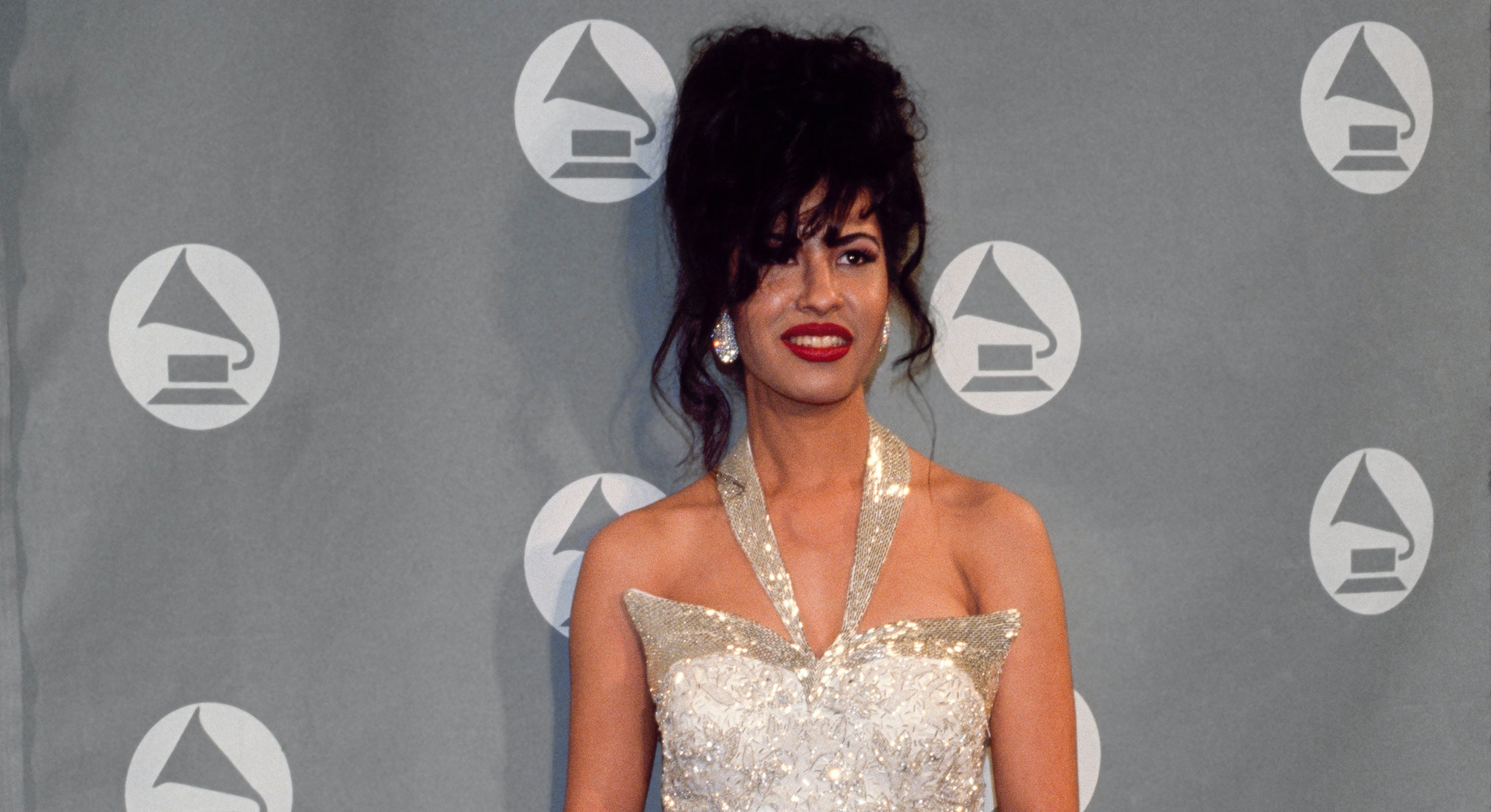 Singer Selena (Quintanilla) receives Grammy Award at The 36th Annual Grammy Awards on March 1, 1994 in New York, New York at Radio City Music Hall. (Photo by Larry Busacca/Getty Images)