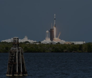 MERRIT ISLAND, FLORIDA, UNITED STATES - 2021/05/04: A SpaceX Falcon 9 rocket lifts off from pad 39A at the Kennedy Space Center carrying the 26th batch of 60 satellites as part of SpaceX's Starlink broadband internet network. (Photo by Paul Hennessy/SOPA Images/LightRocket via Getty Images)