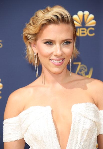 Date night hairstyle:  Scarlett Johansson.