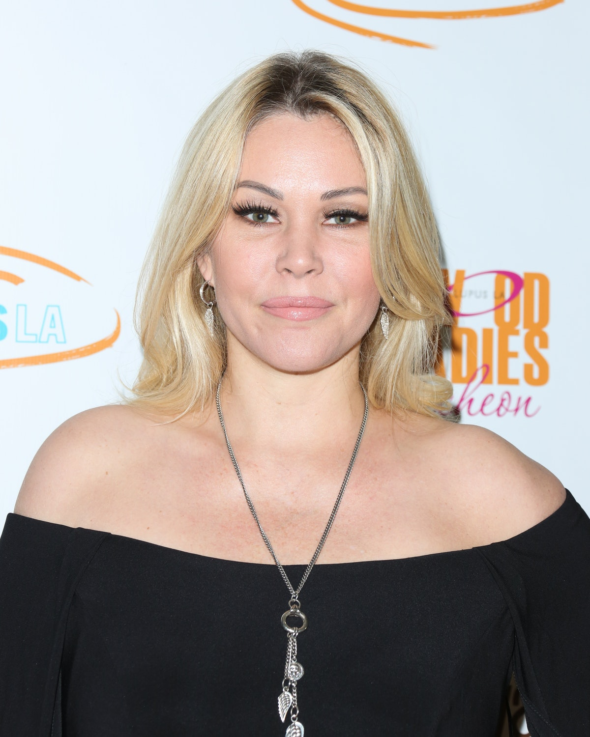 BEVERLY HILLS, CA - NOVEMBER 17:  Reality TV Personality Shanna Moakler attends the Lupus LA 15th annual Hollywood Bag Ladies Lunch at The Beverly Hilton Hotel on November 17, 2017 in Beverly Hills, California.  (Photo by Paul Archuleta/FilmMagic)