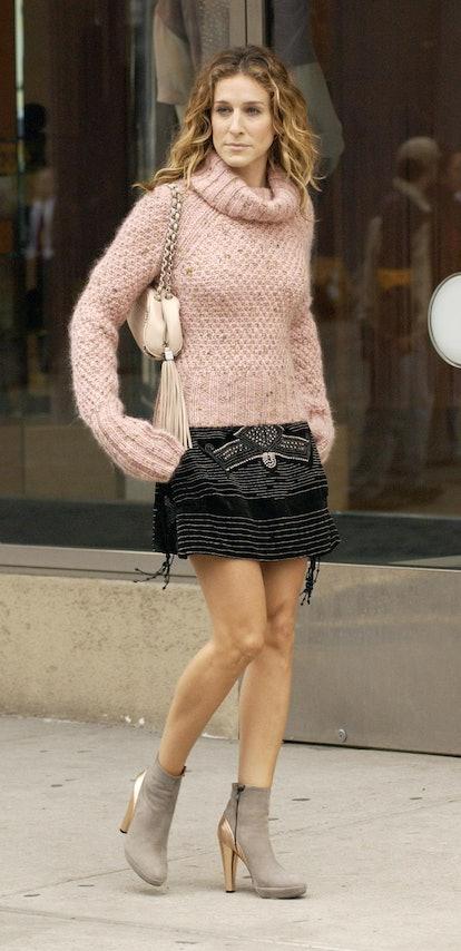 Baguette bags were a major 2000s fashion trend.