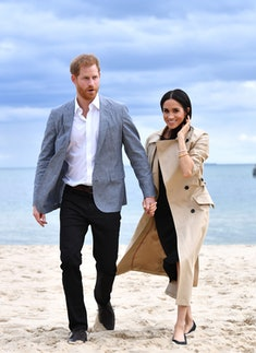 MELBOURNE, AUSTRALIA - OCTOBER 18:  (NO UK SALES FOR 28 DAYS) Prince Harry, Duke of Sussex and Meghan, Duchess of Sussex visit South Melbourne Beach October 18, 2018 in Melbourne, Australia. The Duke and Duchess of Sussex are on their official 16-day Autumn tour visiting cities in Australia, Fiji, Tonga and New Zealand.  (Photo by Pool/Samir Hussein/WireImage)
