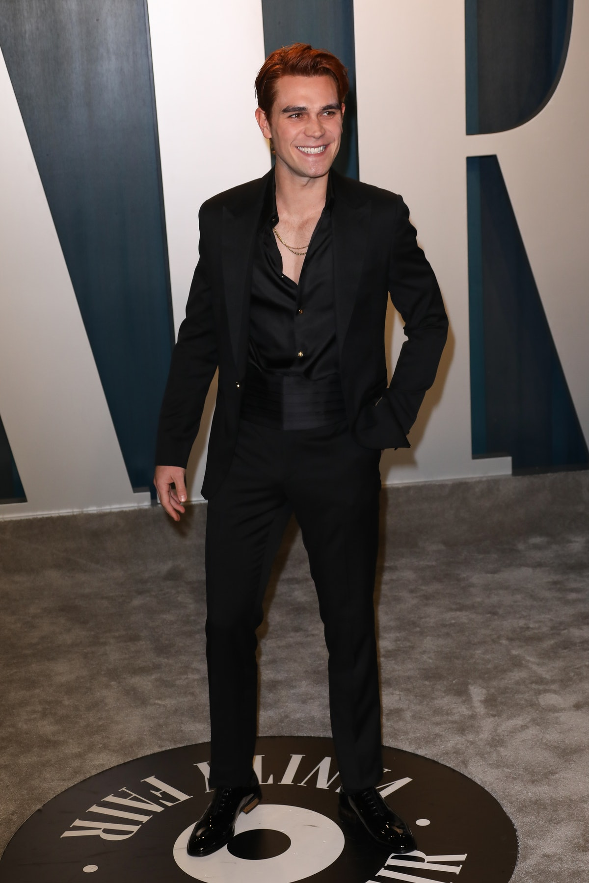 BEVERLY HILLS, CALIFORNIA - FEBRUARY 09: KJ Apa attends the 2020 Vanity Fair Oscar Party at Wallis Annenberg Center for the Performing Arts on February 09, 2020 in Beverly Hills, California. (Photo by Toni Anne Barson/WireImage)