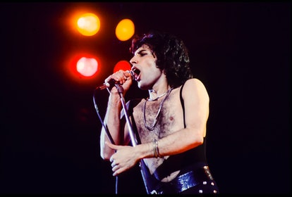 Singer Freddie Mercury of Queen performs Live at the Forum on March 3, 1977 in Inglewood California. (Photo By Armando Gallo/Getty Images)
