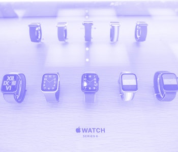 SHENZHEN, GUANGDONG, CHINA - 2020/10/05: Apple Watch Series 6 displayed at an Apple retail store in Shenzhen. (Photo by Alex Tai/SOPA Images/LightRocket via Getty Images)