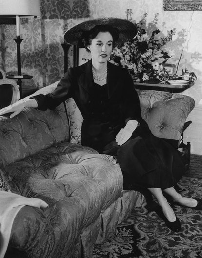 American fashion editor and socialite Barbara 'Babe' Paley (1915 - 1978), January 1954. She is the wife of CBS chief executive William S. Paley. (Photo by Keystone/Hulton Archive/Getty Images)