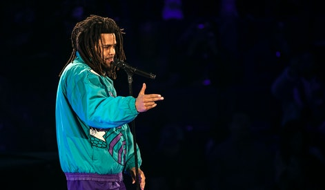 CHARLOTTE, NORTH CAROLINA - FEBRUARY 17: Rapper J. Cole performs during halftime of the 68th NBA All-Star Game  on February 17, 2019 in Charlotte, North Carolina. (Photo by Jeff Hahne/Getty Images)