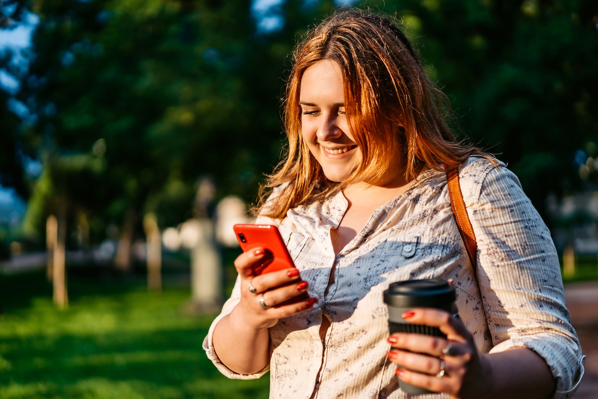 Send a flirty text  if you haven't heard from your date in a few days.
