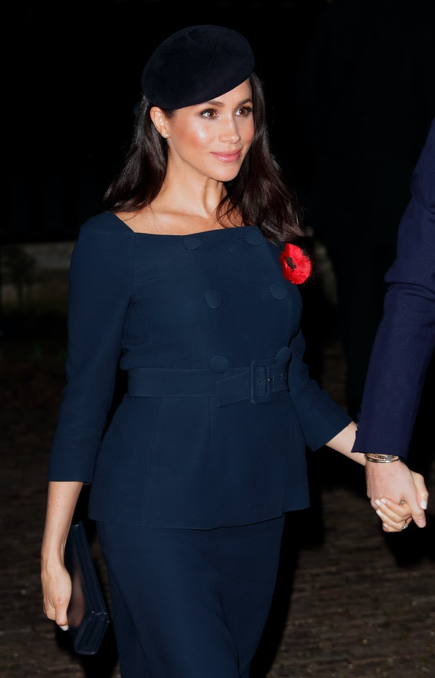 Meghan Markle's outfit looked retro-inspired for Remembrance Day 2018.
