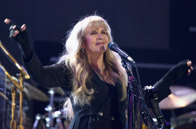 LAS VEGAS, NV - SEPTEMBER 21: (EDITORIAL USE ONLY; NO COMMERCIAL USE)  Stevie Nicks of Fleetwood Mac...