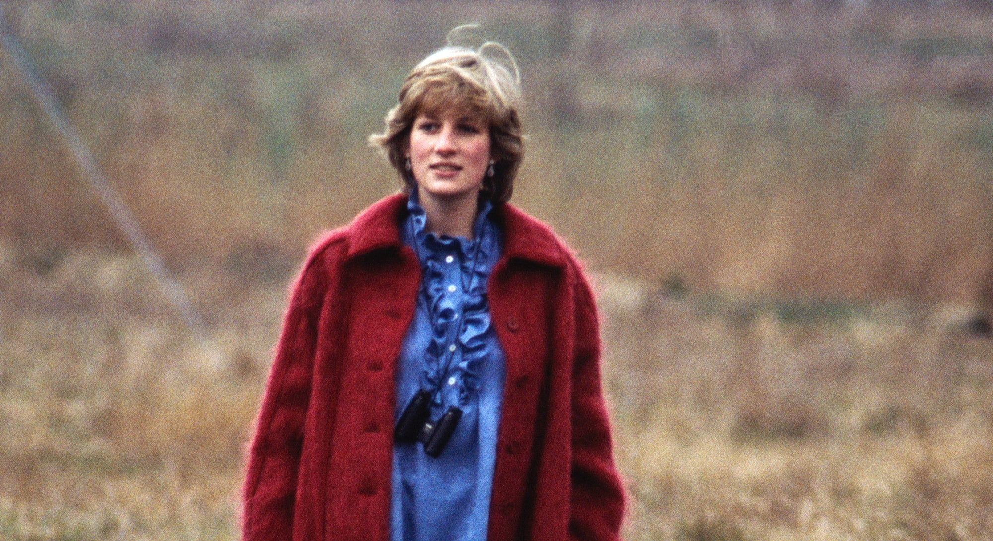 LIVERPOOL, UNITED KINGDOM - APRIL 03: Princess Diana at the Grand National in Aintree while pregnant with her first baby, on April 3, 1982. (Photo by David Levenson/Getty Images)