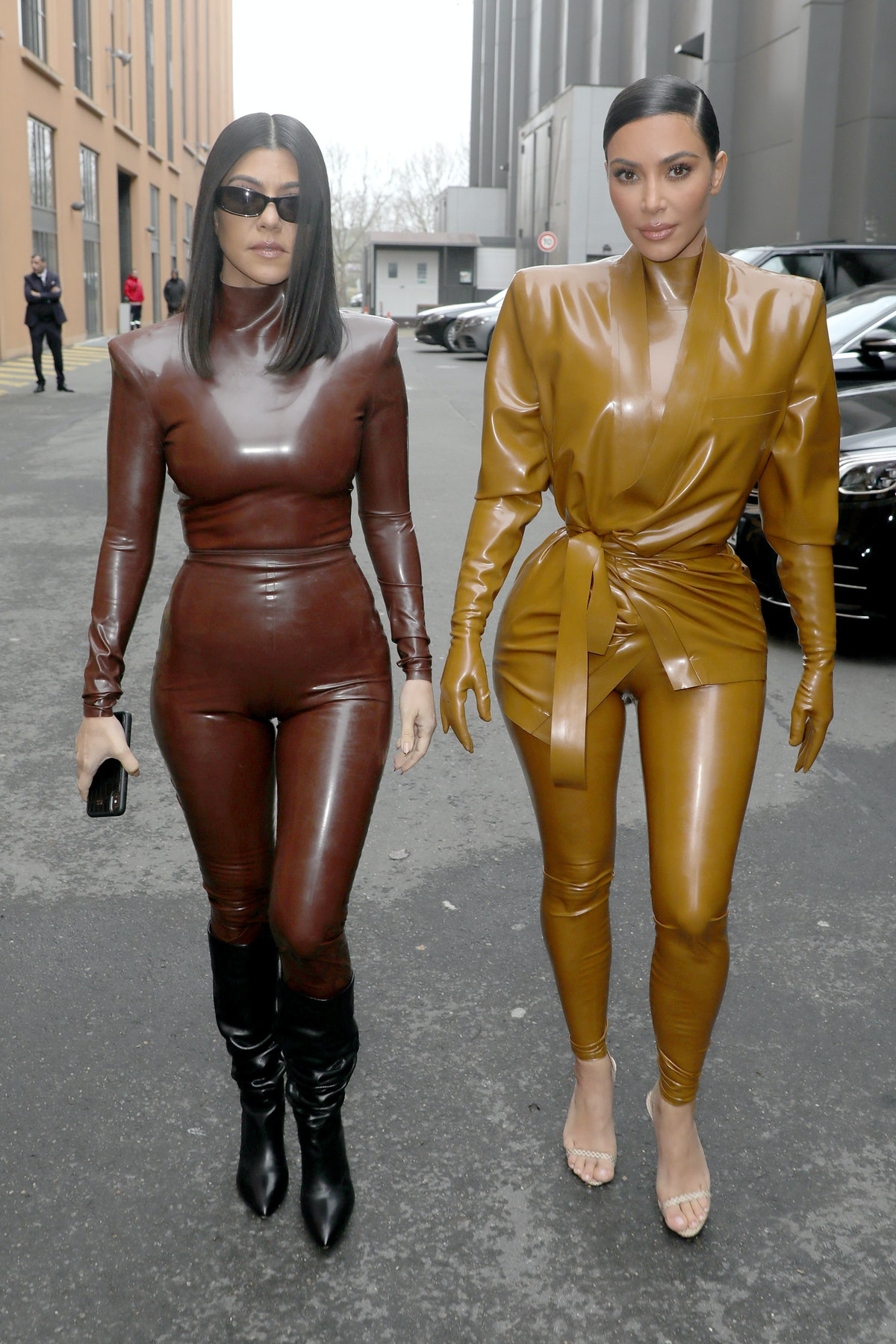 PARIS, FRANCE - MARCH 01: (EDITORIAL USE ONLY) Kourtney and Kim Kardashian attend the Balenciaga show as part of the Paris Fashion Week Womenswear Fall/Winter 2020/2021 on March 01, 2020 in Paris, France. (Photo by Pierre Suu/Getty Images)