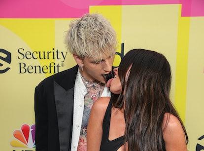 "Machine Gun Kelly thanked his ""twin soul"" Megan Fox during his BBMAs acceptance speech"