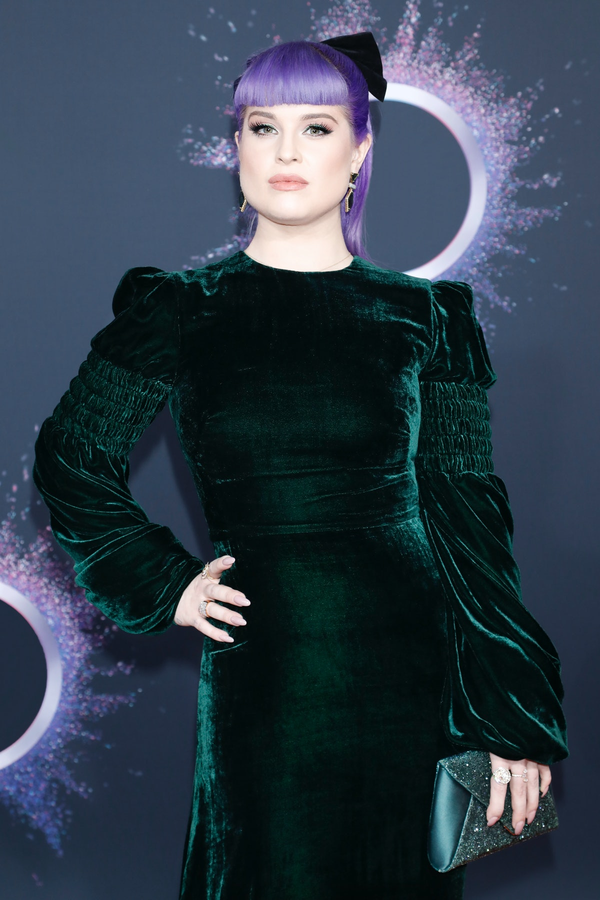 LOS ANGELES, USA - NOVEMBER 24: (EDITORS NOTE: Image has been digitally retouched) Kelly Osbourne arrives at the 2019 American Music Awards at the Microsoft Theater on November 24, 2019 in Los Angeles, California.  (Photo by Kurt Krieger - Corbis/Corbis via Getty Images)