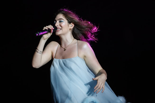 BARCELONA, SPAIN - JUNE 02:  Lorde performs in concert during day 4 of the Primavera Sound Festival on June 2, 2018 in Barcelona, Spain.  (Photo by Xavi Torrent/WireImage)