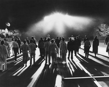 An alien spacecraft arrives on the Earth in a scene from the science fiction film 'Close Encounters of the Third Kind', 1977. (Photo by Silver Screen Collection/Getty Images)