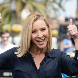 "UNIVERSAL CITY, CALIFORNIA - APRIL 09: Lisa Kudrow visits ""Extra"" at Universal Studios Hollywood on April 09, 2019 in Universal City, California. (Photo by Noel Vasquez/Getty Images)"