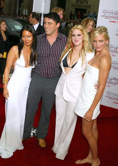"""UNITED STATES - JUNE 18:  Lucy Lui, Cameron Diaz and Drew Barrymore with Matt Le Blanc arriving for the premiere of """"Charlie's Angels 2 - Full Throttle"""" at Mann's Chinese Theater in Hollywood, CA 06/18/03  (Photo by Vinnie Zuffante/Getty Images)"""
