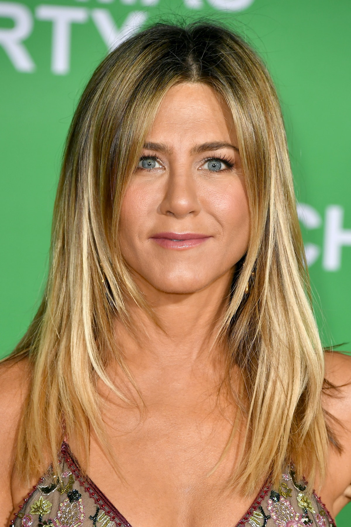 """WESTWOOD, CA - DECEMBER 07:  Actress Jennifer Aniston attends the premiere of Paramount Pictures' """"O..."""