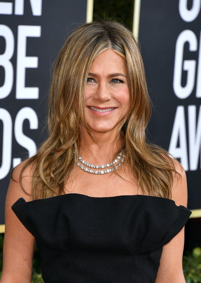 BEVERLY HILLS, CALIFORNIA - JANUARY 05: Jennifer Aniston attends the 77th Annual Golden Globe Awards at The Beverly Hilton Hotel on January 05, 2020 in Beverly Hills, California. (Photo by George Pimentel/WireImage)