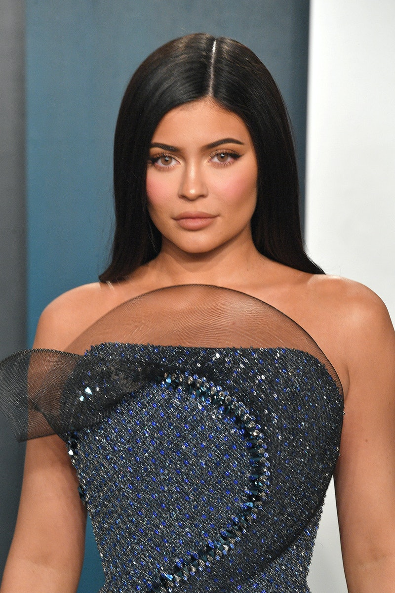 BEVERLY HILLS, CALIFORNIA - FEBRUARY 09: Kylie Jenner attends the 2020 Vanity Fair Oscar party hosted by Radhika Jones at Wallis Annenberg Center for the Performing Arts on February 09, 2020 in Beverly Hills, California. (Photo by George Pimentel/Getty Images)