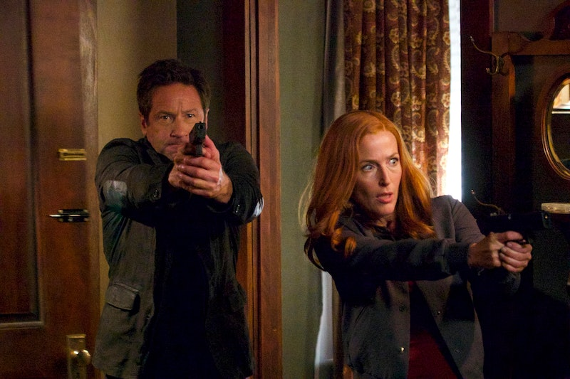 """THE X-FILES:  L-R:  David Duchovny and Gillian Anderson in the """"This"""" episode of THE X-FILES airing ..."""