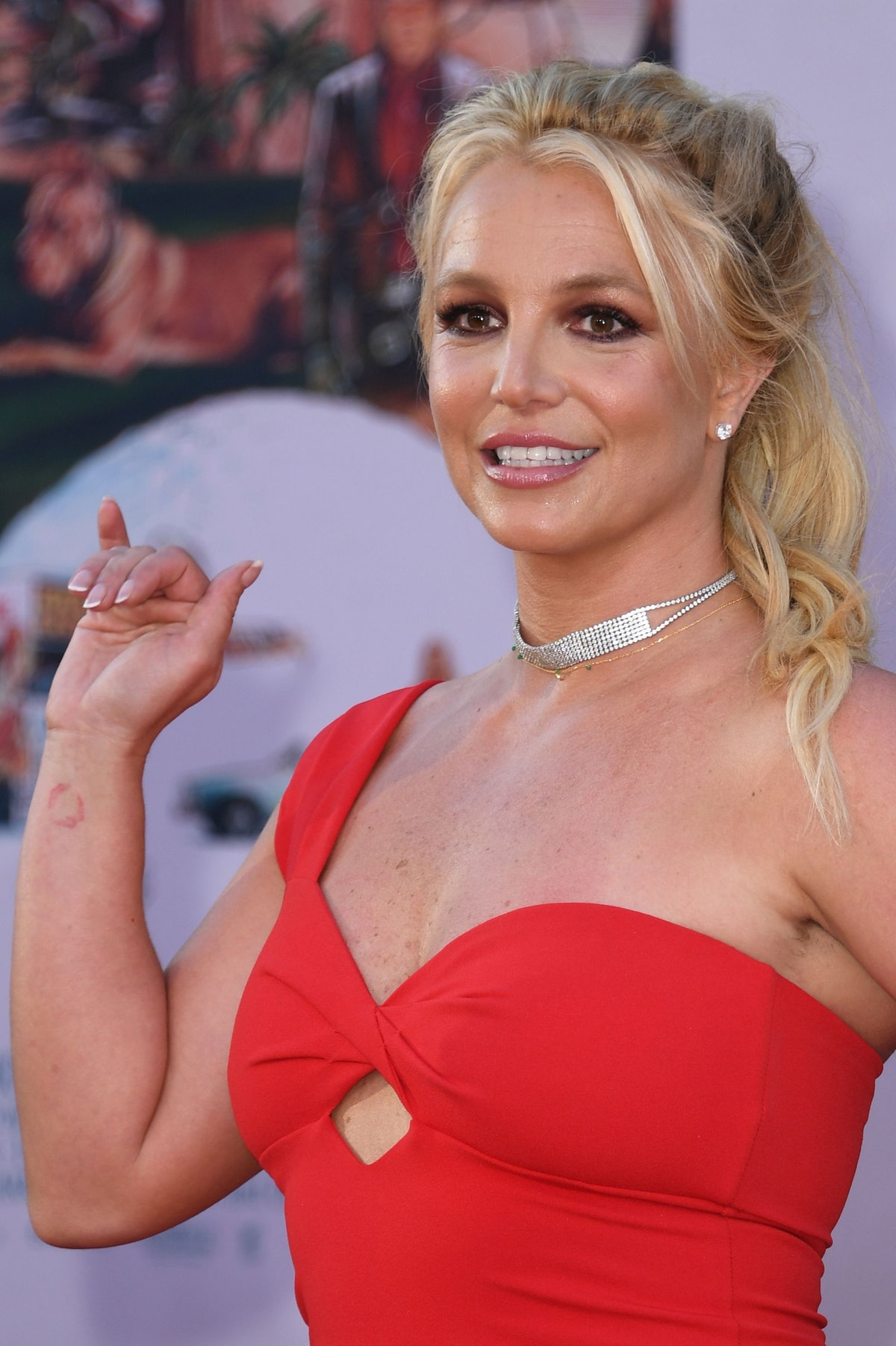 """US singer Britney Spears arrives for the premiere of Sony Pictures' """"Once Upon a Time... in Hollywoo..."""