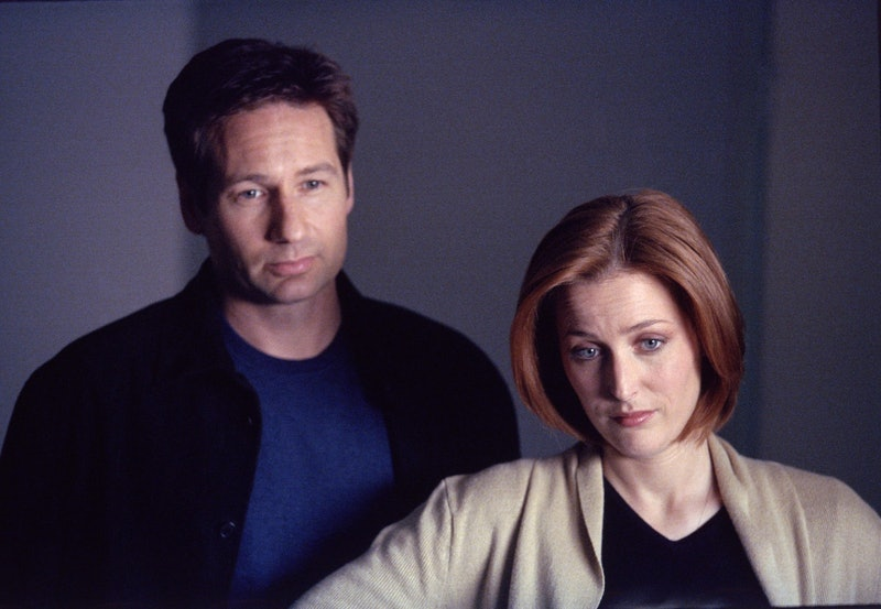"""THE X-FILES - SEASON 8:  Agents Mulder (David Duchovny, L) and Scully (Gillian Anderson, R) in the """"..."""