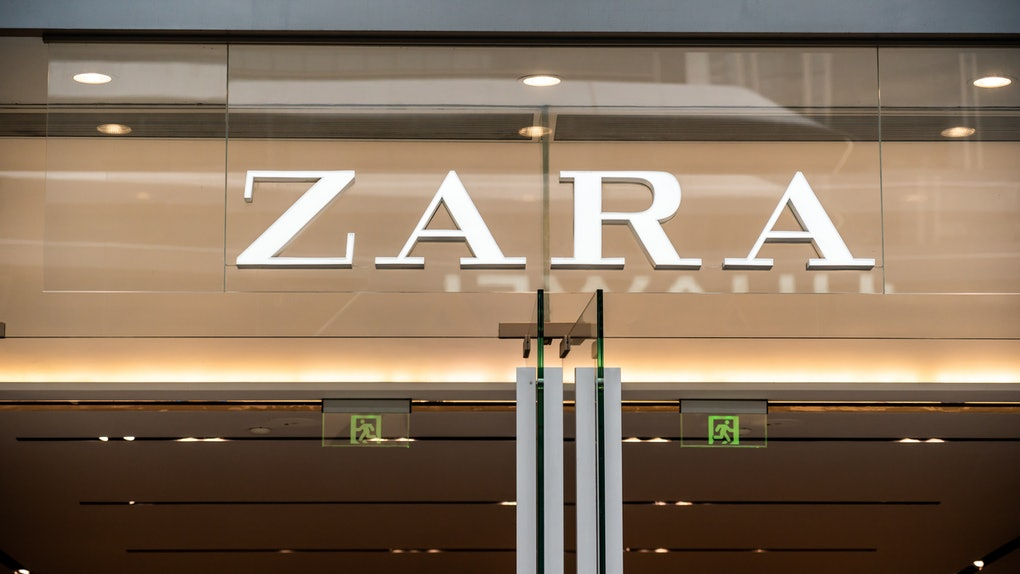 SHENZHEN, CHINA - 2020/10/04: Spanish fashion retailer, Zara logo seen in Shenzhen. (Photo by Alex Tai/SOPA Images/LightRocket via Getty Images)