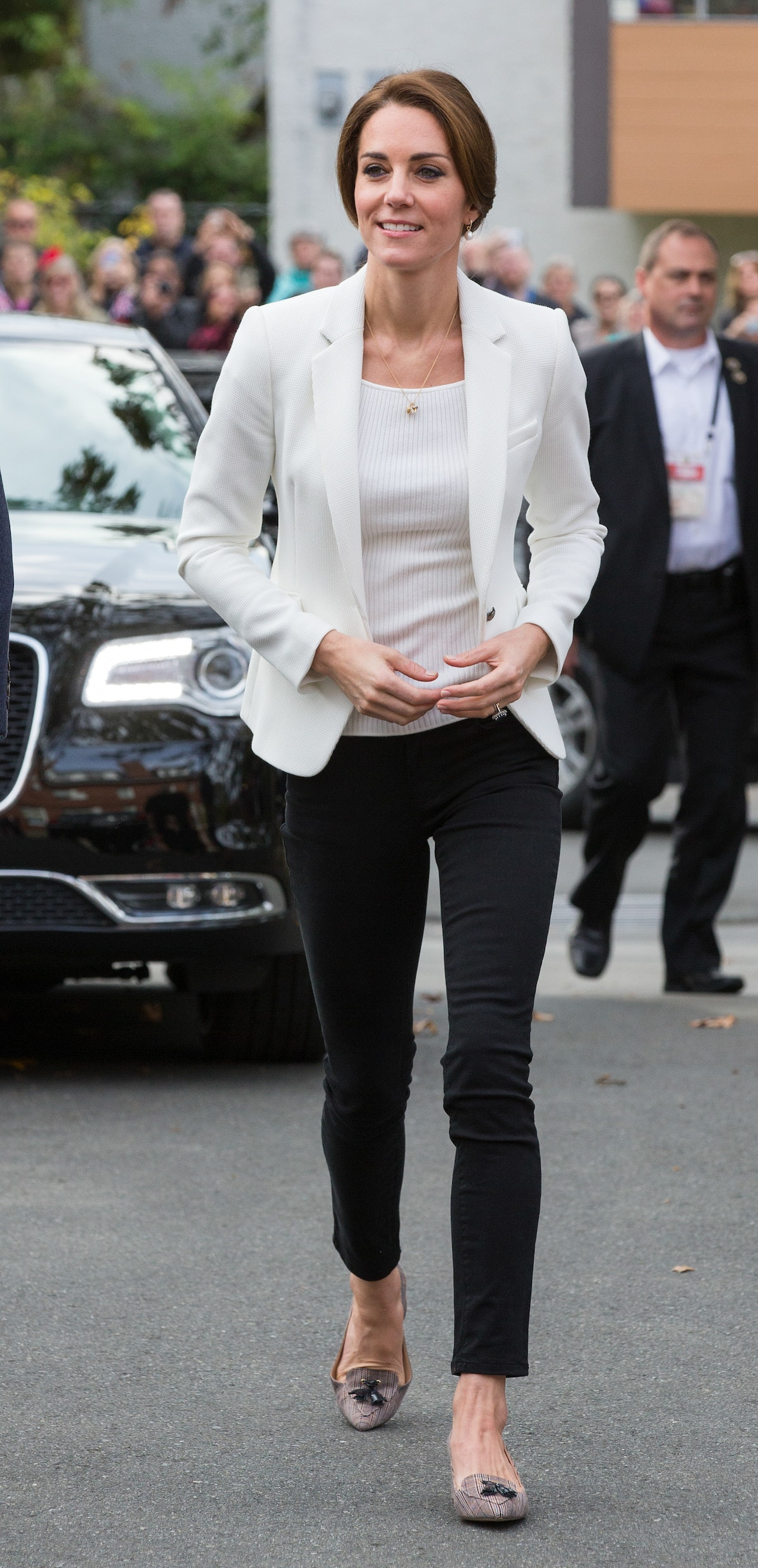Duchess of Cambridge Kate Middletonvisits the Cridge Centre for the Family on October 1, 2016 in Vic...