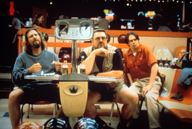 Jeff Bridges, John Goodman and Steve Buscemi as the bowling teammates Dude, Walter and Donny, protagonists of the surreal comedy The Big Lebowski whose topic moments arise during the games. USA, 1998.. (Photo by Mondadori via Getty Images)