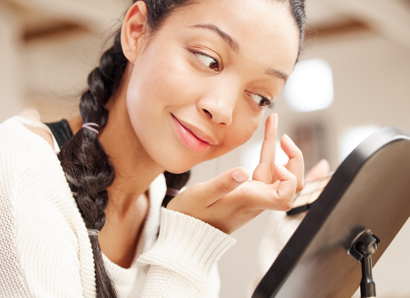 Be gentle with your lashes. If you remove your eyelash extensions by yanking on them, it could cause permanent damage.