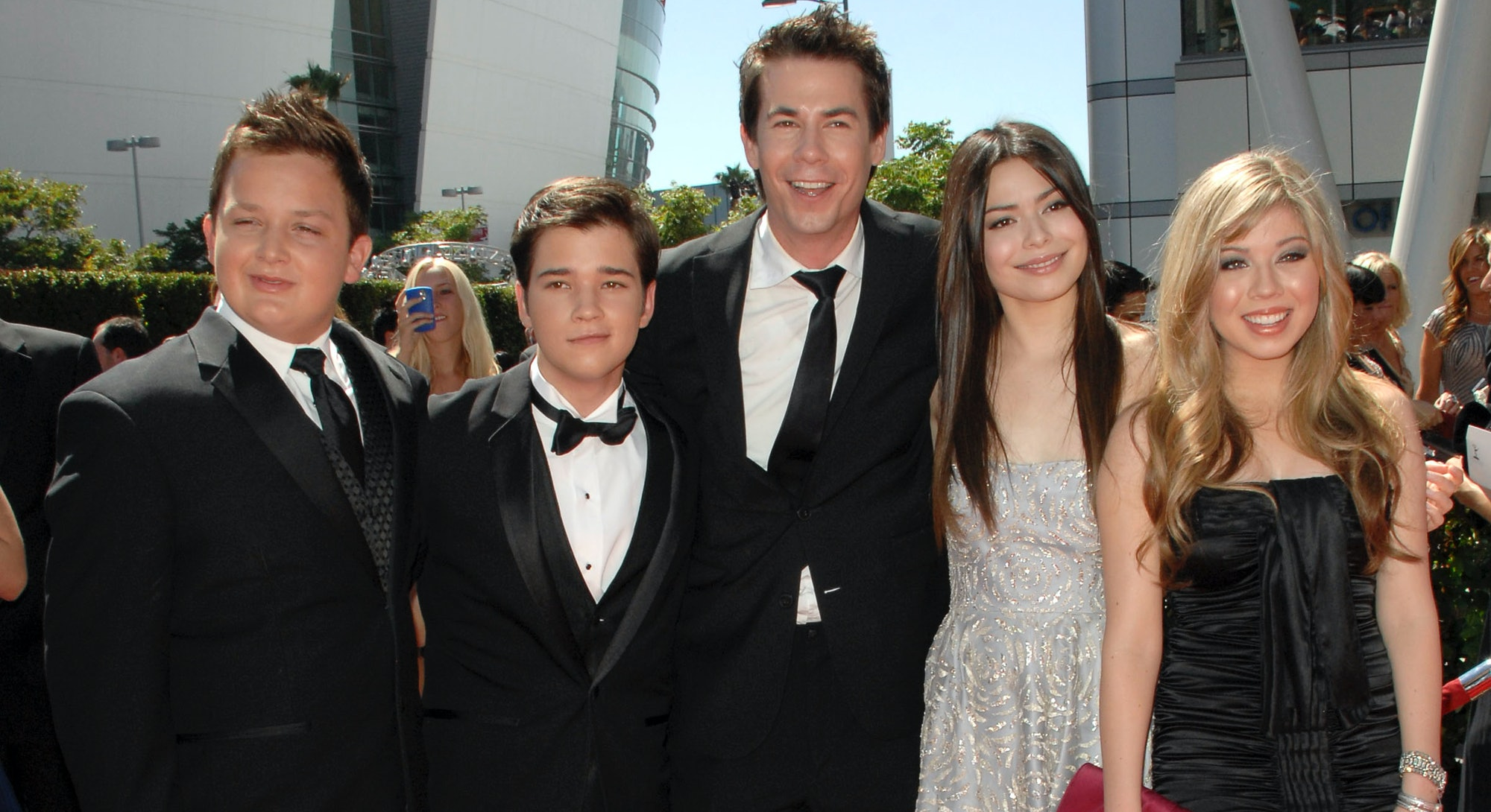 The cast of 'iCarly' is reuniting for a revival at Paramount+. Photo via Patrick McMullan/Patrick Mc...