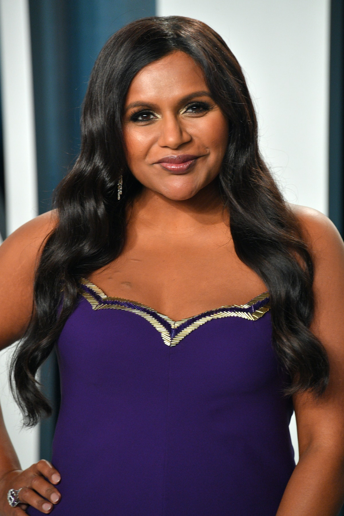 Mindy Kaling attends the 2020 Vanity Fair Oscar party.
