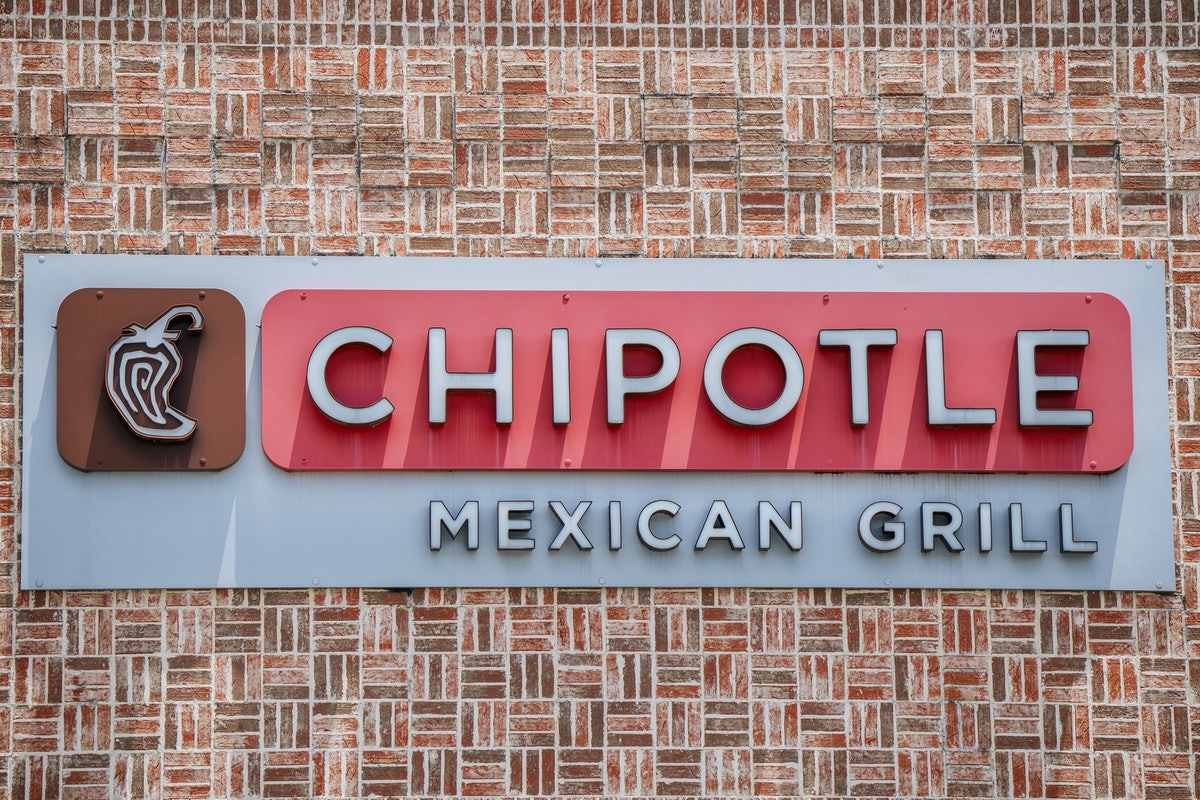 Chipotle's June 13 Drag Brunch with Trixie Mattel includes a fun giveaway.