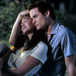 Mandy Moore is comforted by Shane West in a scene from the film 'A Walk To Remember', 2002. (Photo by Warner Brothers/Getty Images)