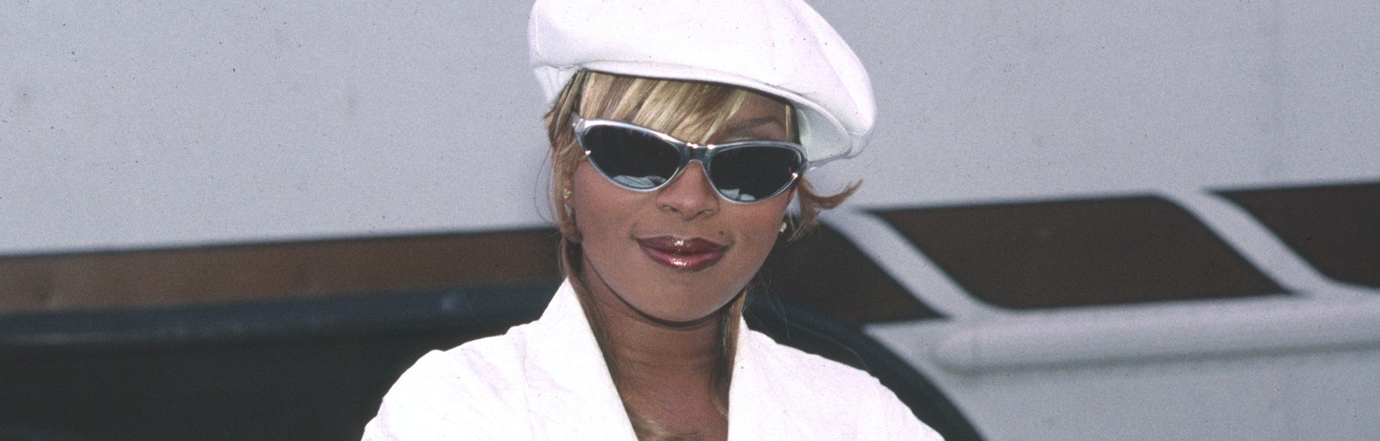 Mary J Blige at 1995 American Music Awards during The 22nd Annual American Music Awards at Shrine Au...