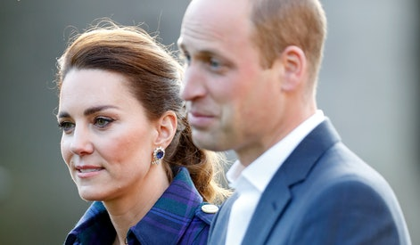 EDINBURGH, UNITED KINGDOM - MAY 26: (EMBARGOED FOR PUBLICATION IN UK NEWSPAPERS UNTIL 24 HOURS AFTER CREATE DATE AND TIME) Catherine, Duchess of Cambridge and Prince William, Duke of Cambridge host a drive-in cinema screening of Disney's 'Cruella' for Scottish NHS workers at The Palace of Holyroodhouse on May 26, 2021 in Edinburgh, Scotland. (Photo by Max Mumby/Indigo - Pool/Getty Images)