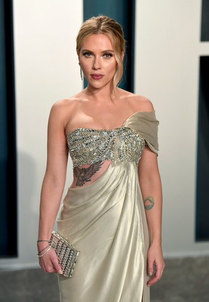 BEVERLY HILLS, CALIFORNIA - FEBRUARY 09: Scarlett Johansson attends the 2020 Vanity Fair Oscar Party hosted by Radhika Jones at Wallis Annenberg Center for the Performing Arts on February 09, 2020 in Beverly Hills, California. (Photo by Karwai Tang/Getty Images)