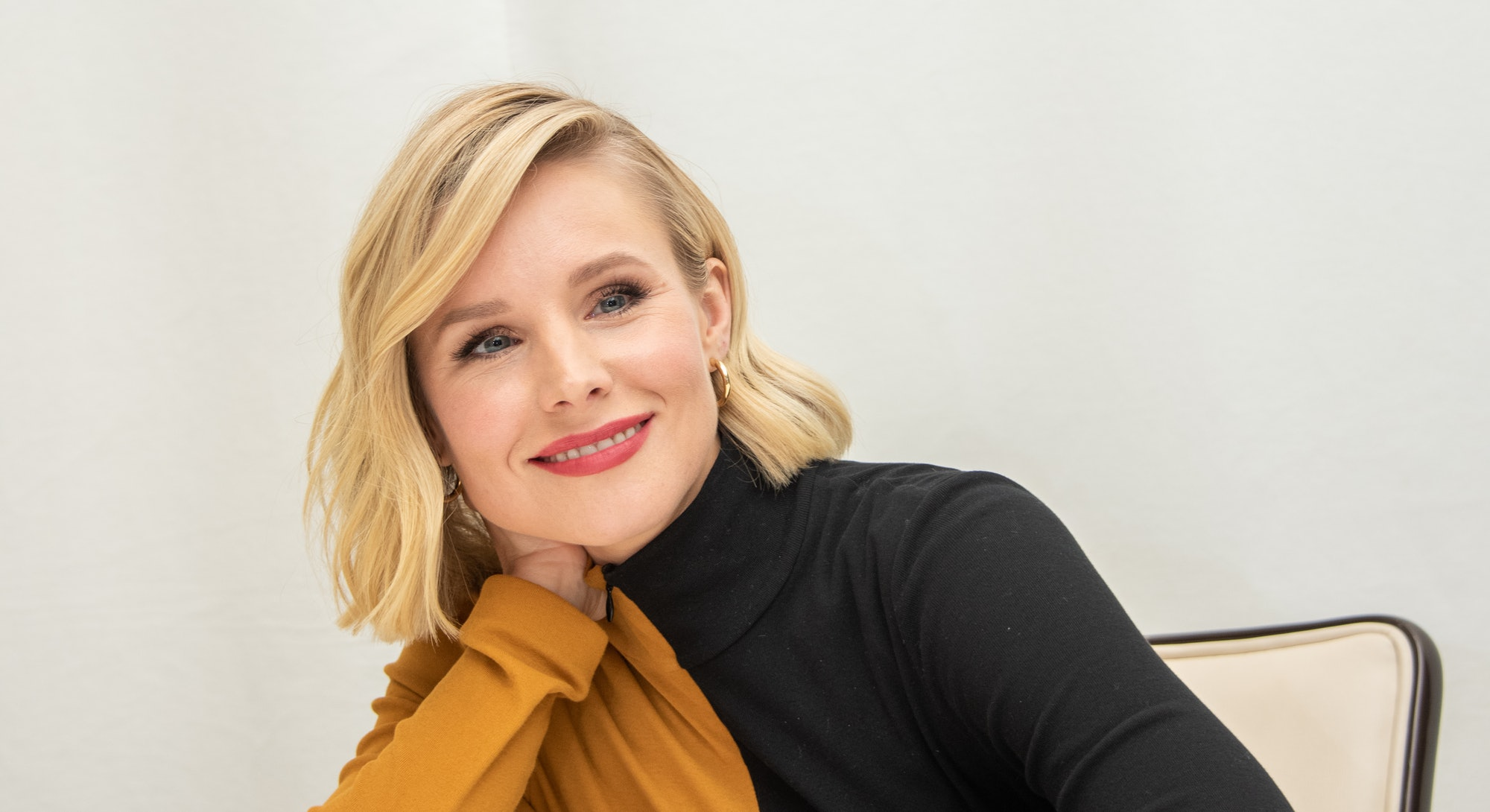"""BEVERLY HILLS, CALIFORNIA - OCTOBER 16: Kristen Bell at """"The Good Place"""" Press Conference at the Fou..."""