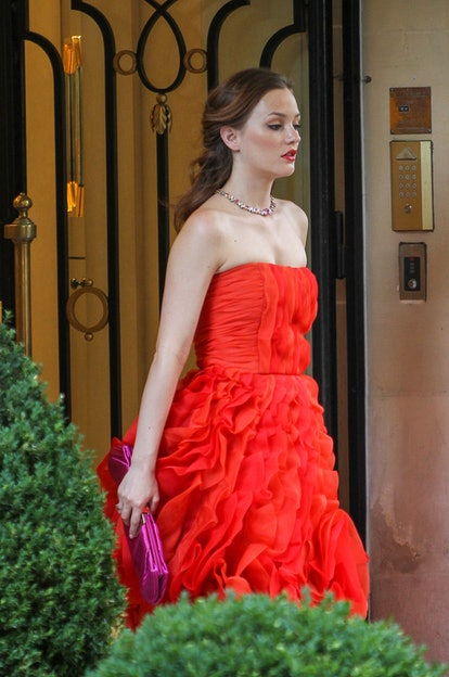 Leighton Meester is seen on location for 'Gossip Girl' on July 9, 2010 in Paris, France.