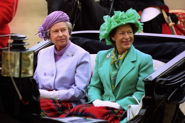 Queen Elizabeth joined her sister for a carriage ride.