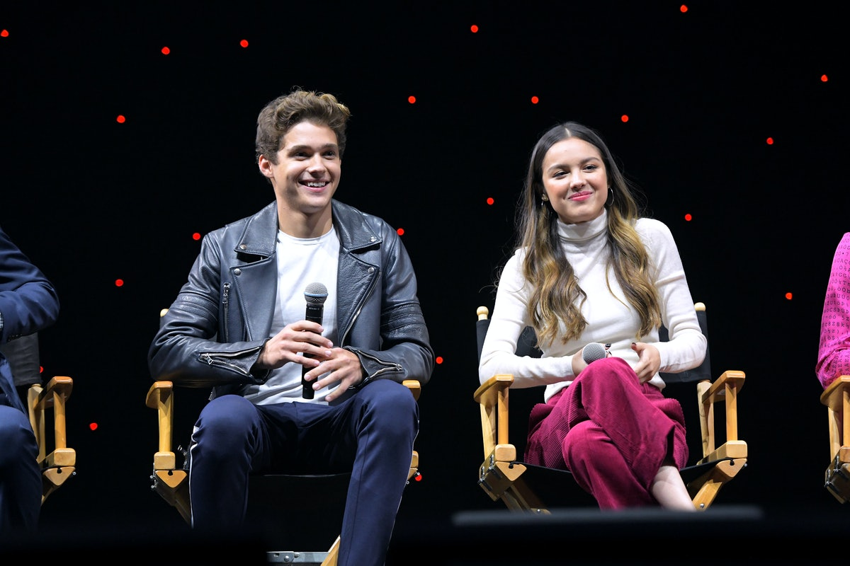 """ANAHEIM, CALIFORNIA - AUGUST 23: """"High School Musical: The Musical: The Series"""" cast members Joshua Bassett, Olivia Rodrigo, Matt Cornett, Sofia Wylie, Julia Lester, Larry Saperstein, Dara Reneé, Frankie A. Rodriguez, Kate Reinders, Mark St. Cyr, and Showrunner Tim Federle invited 3,600 fans to watch the first episode in the D23 Expo Arena and revealed the series' teaser trailer. """"High School Musical: The Musical: The Series will stream exclusively on Disney+ November 12. (Photo by Charley Gallay/Getty Images for Disney+)"""
