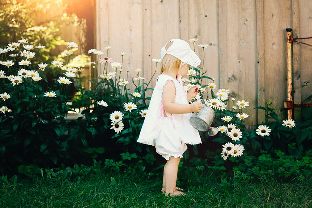 Please put your cottagecore babies in bonnets and white lace gowns.