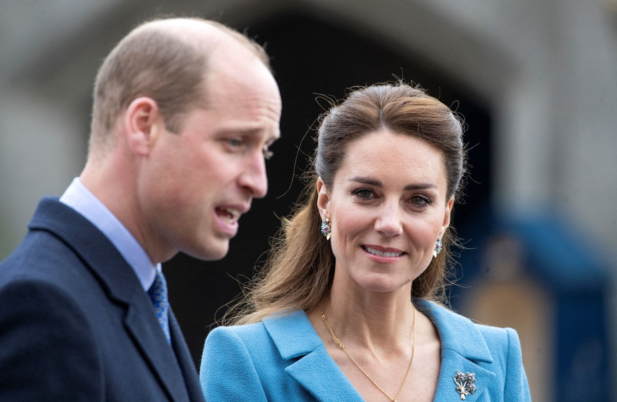 Britain's Prince William, Duke of Cambridge and Britain's Catherine, Duchess of Cambridge attend a Beating Retreat by The Massed Pipes and Drums of the Combined Cadet Force in Scotland at the Palace of Holyroodhouse in Edinburgh, Scotland on May 27, 2021, the final day of their week-long visit to the country. (Photo by Jane Barlow / POOL / AFP) (Photo by JANE BARLOW/POOL/AFP via Getty Images)