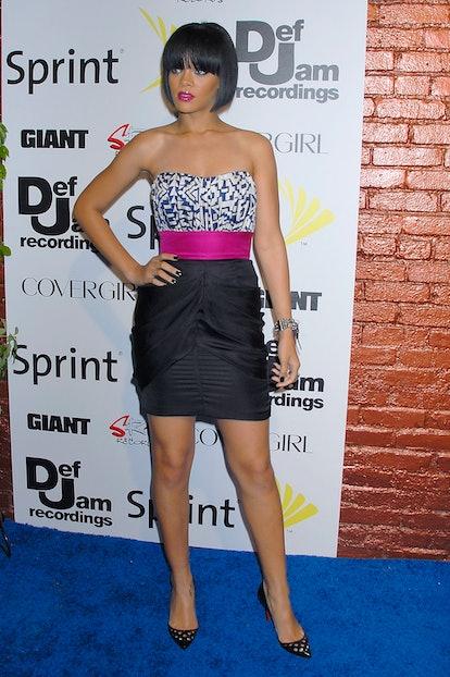 LOS ANGELES, CA - JUNE 03:  Singer Rihanna arrives at Jay-Z and GIANT Magazine's MTV Movie Awards Af...