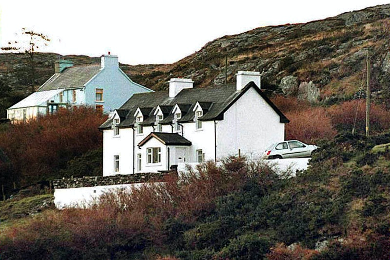 (FILES) A file photo taken on December 24, 1996 in Schull, southern Ireland, shows the house of Soph...