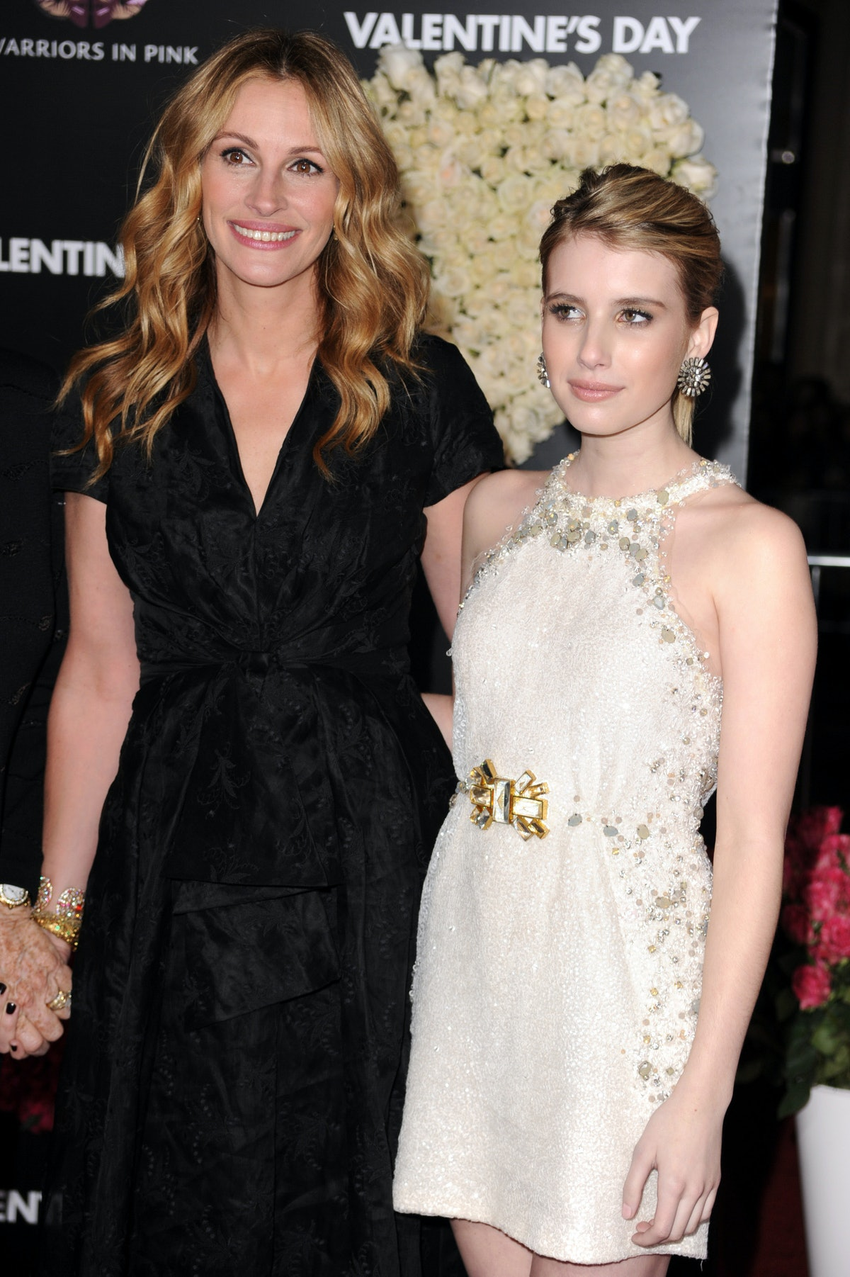 """Actress Julia Roberts and Emma Roberts attends the """"Valentine's Day"""" Los Angeles Premiere at Grauman's Chinese Theatre on February 8, 2010 in Hollywood, California. (Photo by Steve Granitz/WireImage)"""